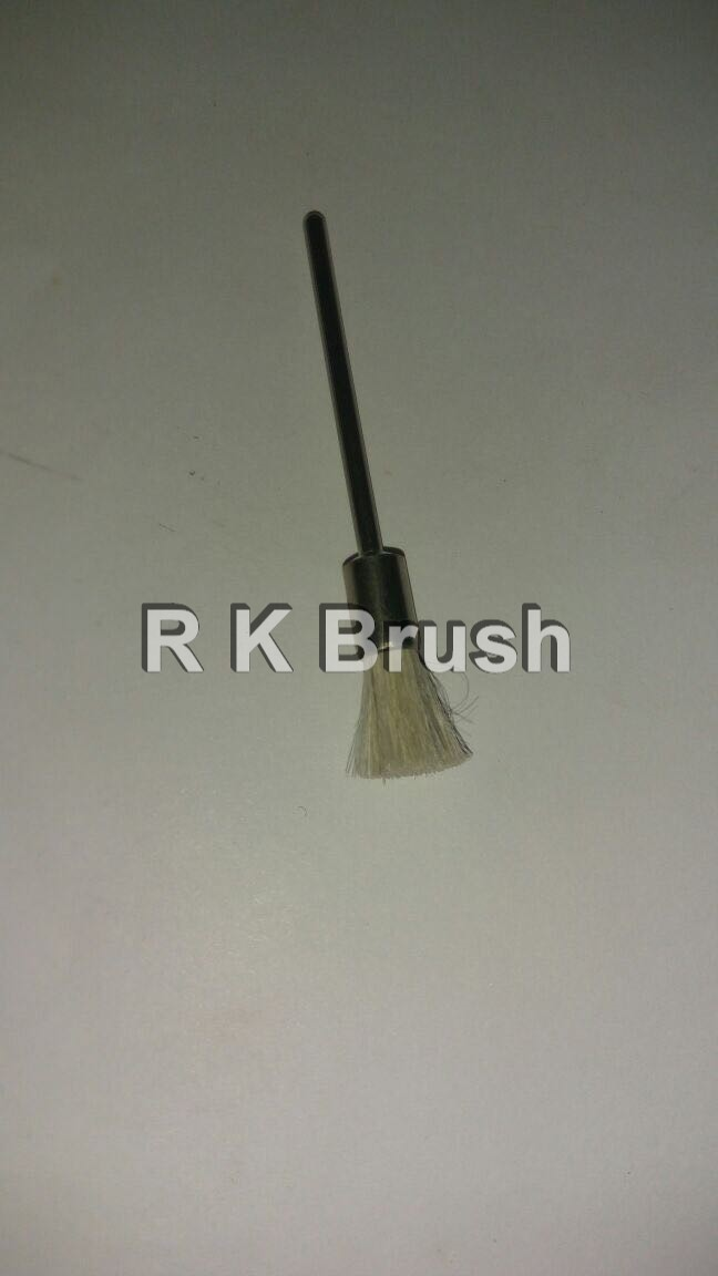 Crimped Wire End Brush With Long Handle