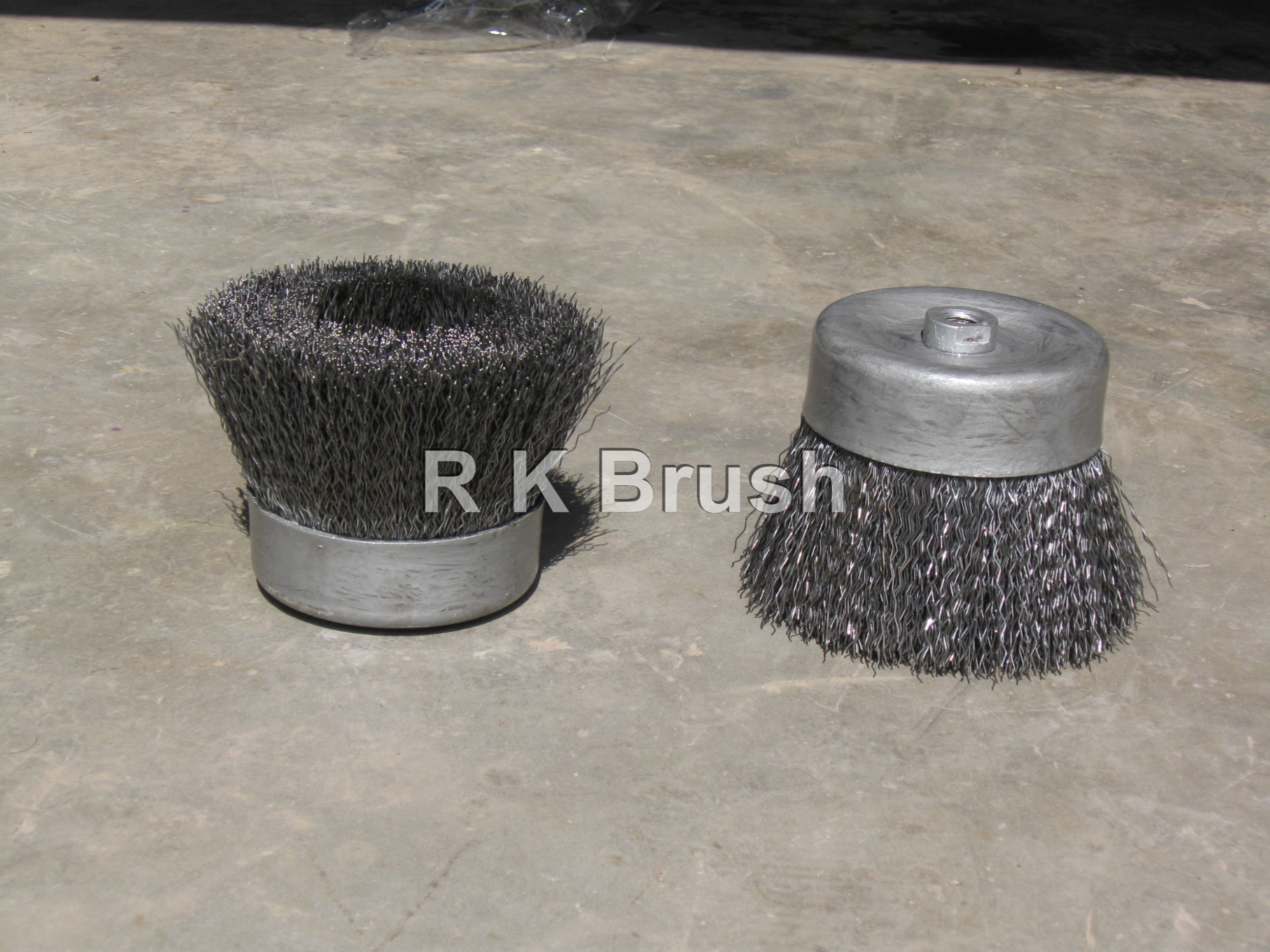 HEAVY DUTY CUP BRUSH, 6