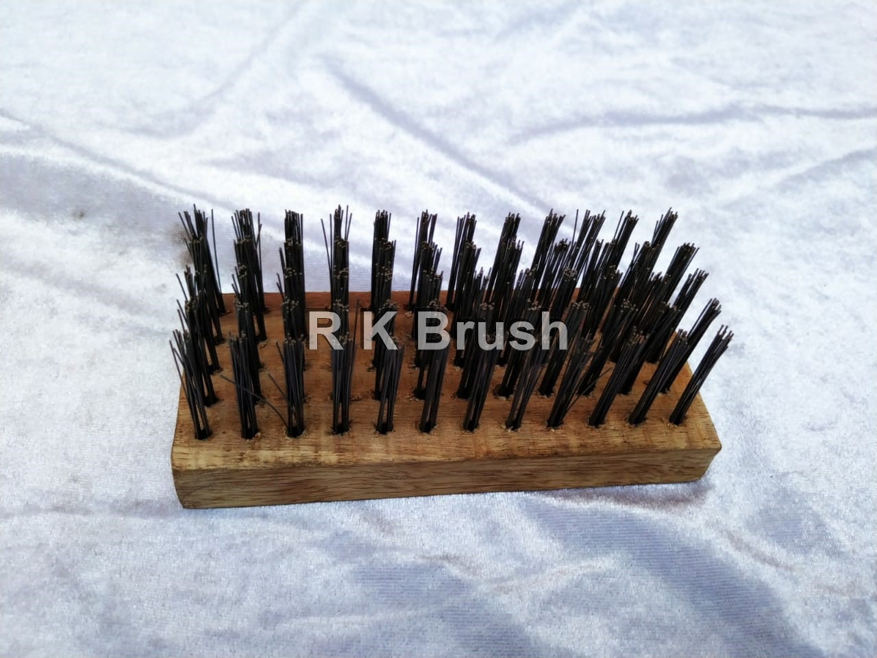 wooden handle Steel Wire brush (hard) type 1